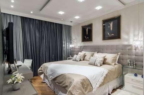 51. A cortina de cor cinza chumbo é perfeita para o quarto neutro e claro – Foto: Mano e Lalust