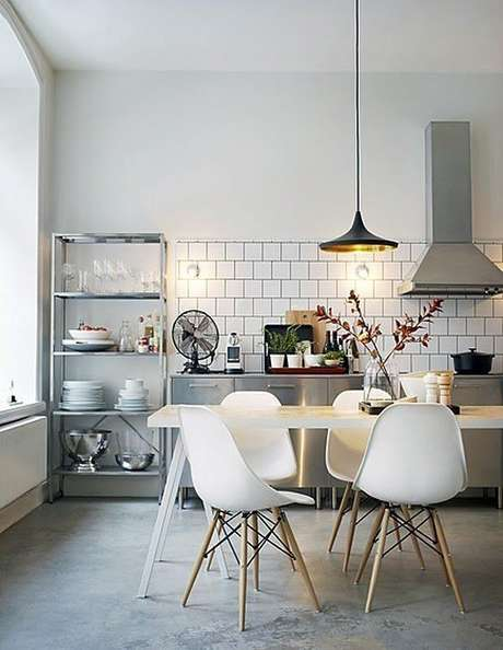30. Cozinha estilo industrial na cor cinza – Foto: Pinterest