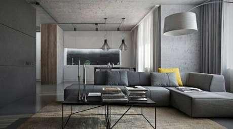 73. Apenas uma almofada amarela pode fazer toda diferença na decoração cor cinza – Foto: Katerina Kersey Design