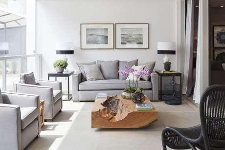 11. Decoração de sala com cores que combinam com cinza, na cor cinza – Foto: Arkitetura assembly