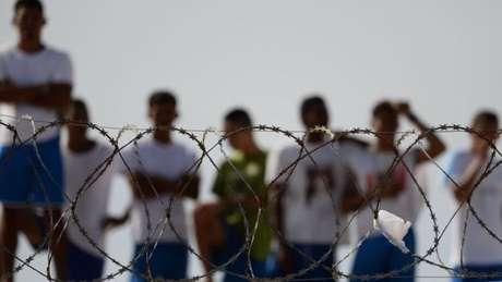 """""""Já visitei mais de 60 penitenciárias no Brasil. Tem penitenciárias que funcionam. Nós temos que falar das piores, dos lugares que são dantescos, onde você entra e não sabe se sai vivo ou não"""", diz Macaulay."""