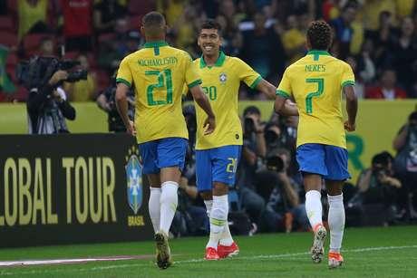 Roberto Firmino, do Brasil, comemora seu gol durante amistoso contra Honduras, no Estádio Beira-Rio, em Porto Alegre (RS), na tarde deste domingo, 9 de junho de 2019.