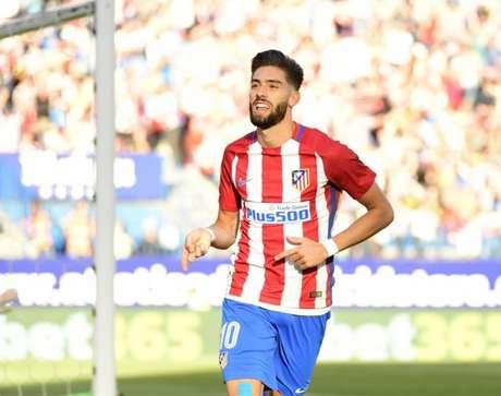 Carrasco vestiu a camisa do Atlético de Madrid antes de ir para o futebol chinês (Foto: AFP)