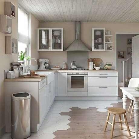 25. Cozinha em l em tons sóbrios. Fonte: Detalhes Mágicos