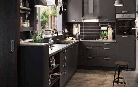 50. Cozinha em l planejada com estilo contemporâneo. Fonte: Panorama Móveis