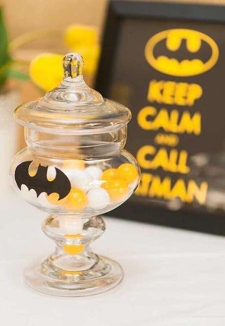 40. Pequenos detalhes podem fazer toda a diferença na festa infantil do Batman – Foto: Pinosy
