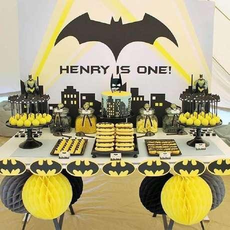 1. Decoração para festa do Batman simples – Foto: HappyBirthdayWorld