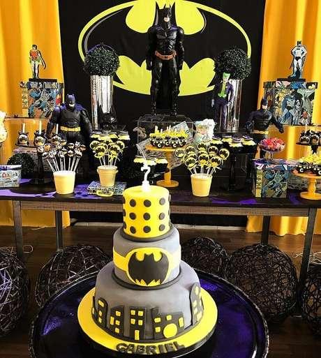 51. Festa do Batman decorada com vários bonecos – Foto: Daniele Charif
