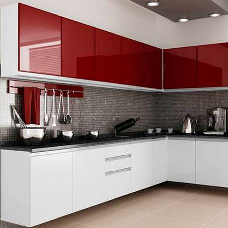 69. Cozinha em l com armários na cor vermelha. Fonte: CRB Móveis