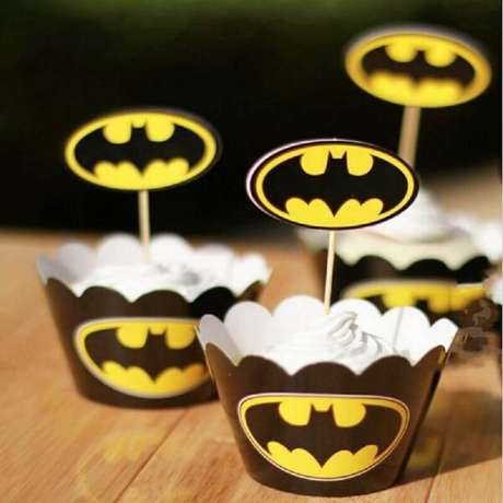 59. Forminhas para doces com simples do Batman para decoração do Batman para festa infantil – Foto: DHgate