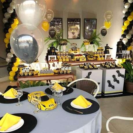 66. Ideias para decoração de mesa em festa infantil do Batman – Foto: Roberta da Mata
