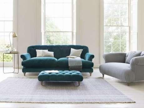 20. Safá retrô vintage na cor turquesa para quem ama uma decoração clássica – Foto: Pinterest
