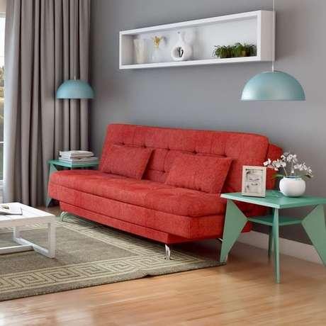 5. Misture diferentes tons de cores com o seu sofá retrô – Foto: Pinterest