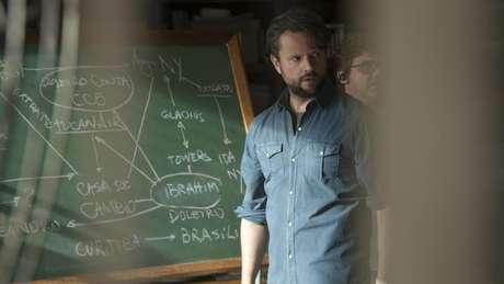 Selton Melo interpreta Marco Ruffo, personagem baseado em depoimentos de um policial aposentado, na série 'O Mecanismo'