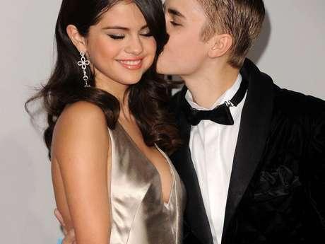 Dias dos Namorados: Selena Gomez e Justin Bieber e mais celebridades que já namoraram