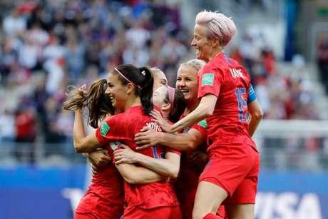 Estados Unidos começou com tudo a Copa do Mundo Feminina e aplicou 13 a 0 na Tailândia (THOMAS SAMSON/AFP)