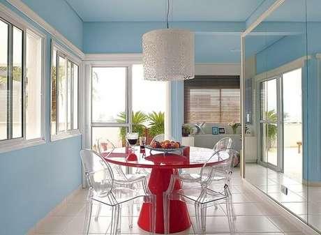 13. Combinação entre tons de azul e vermelho. Fonte: Casa e Jardim