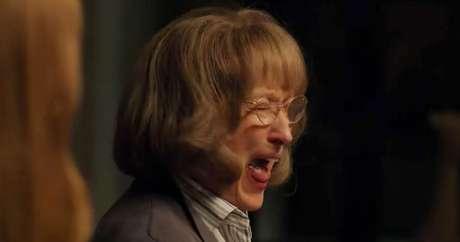 Mary Louise é aquele tipo de personagem que chega para estremecer a vida de todos ao redor