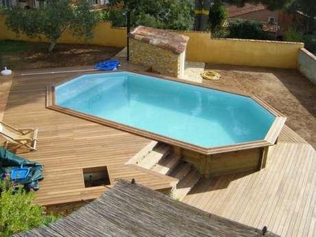 37. Lembre-se de montar a piscina de paletes virada para o sol, assim você aproveita o melhor da estação! – Foto: Pinterest