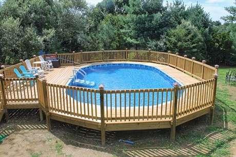 43. Caso tenha espaço, faça uma piscina de paletes bem grande para aproveitar bastante! – Foto: Photos by aaron
