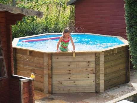1. Veja dicas para montar sua piscina de paletes em casa! – Foto: Construção de casa