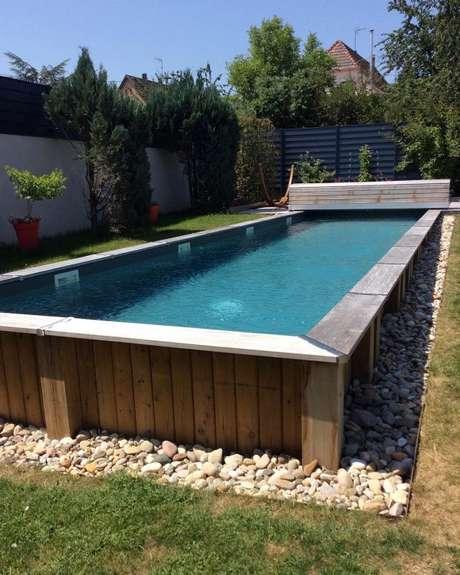 29. A decoração da piscina de paletes faz toda diferença no resultado!