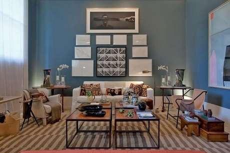 43. Sala moderna com paredes em tons de azul. Projeto de Casa Cor 2016