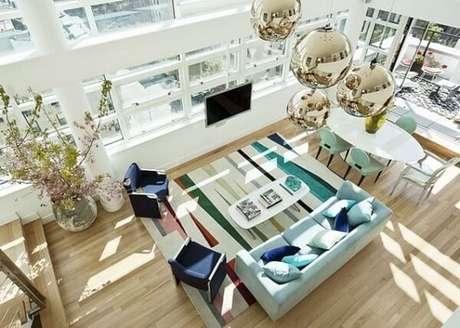70. Utilize tons de azul em elementos decorativos do cômodo. Fonte: Casa de Valentina