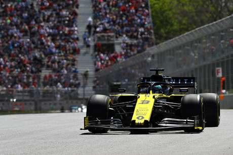 """""""Velocidade da Renault em linha reta melhorou"""", afirmou Ricciardo"""