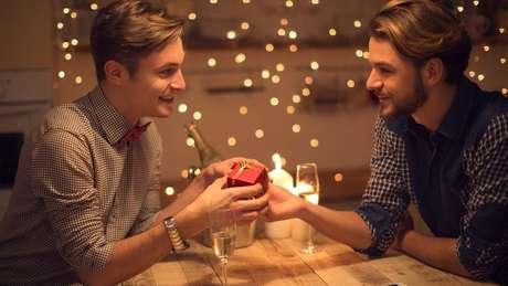Com o incentivo à troca de presentes entre namorados, a data ajudou a aumentar as vendas do comércio em junho