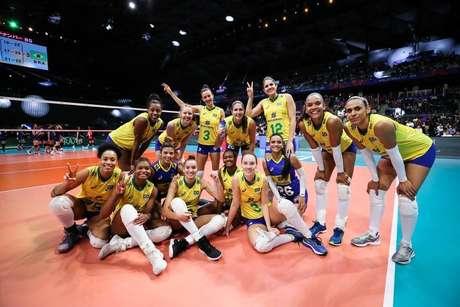Brasil celebra vitória sobre a Tailândia na Liga das Nações
