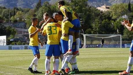 Brasil derrotou a Irlanda por 2 a 0