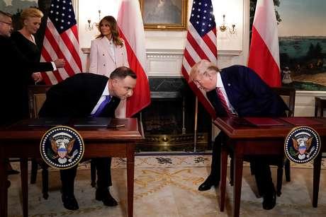 Presidente dos EUA, Donald Trump, e presidente da Polônia, Andrzej Duda, ao lado das primeiras-damas Melanie Trump e Agata Kornhauser-Duda, na Casa Branca, em Washington 12/06/2019 REUTERS/Kevin Lamarque