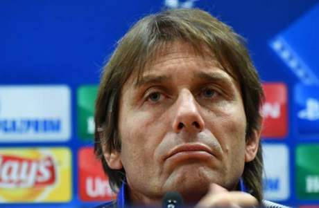 Conte deve ir forte na próxima janela de transferências (Foto: Alberto Pizzoli / AFP)