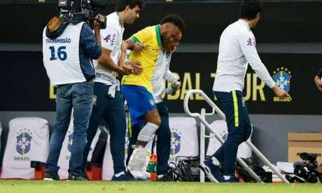 Neymar torceu o tornozelo durante amistoso contra o Catar e foi cortado da Seleção (Foto:Reprodução)