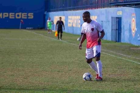 Jeferson Siqueira fez um gol na última vitória do Bonsucesso (Foto: João Carlos Gomes/La Marca)