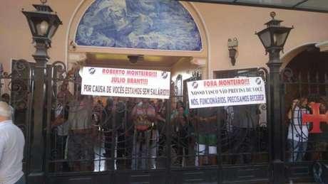 Funcionários reclamam salários atrasados e indicam opositores como culpados (Foto: Reprodução/Twitter)