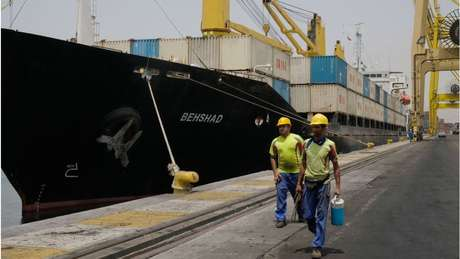 O Estreito de Ormuz é também a principal via de comércio dos países do Golfo Pérsico