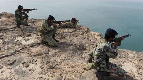 O Irã não conseguiria manter um bloqueio em Ormuz por muitos dias, mas ainda assim teria impacto, segundo especialistas