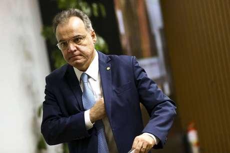 Relator da proposta, deputado Samuel Moreira anunciou a exclusão de mudanças na aposentadoria rural e no benefício assistencial a idosos
