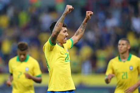 O atacante Roberto Firmino em campo pela Seleção Brasileira