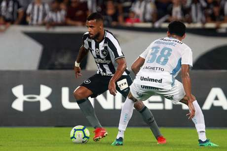 Alex Santana não conseguiu criar boas chances (Foto: Vítor Silva/Botafogo)