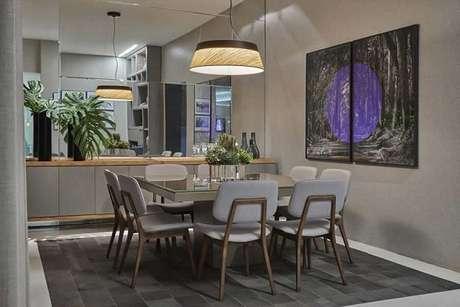 3. Lustre para sala de jantar complementa a decoração. Fonte: Planta Pronta