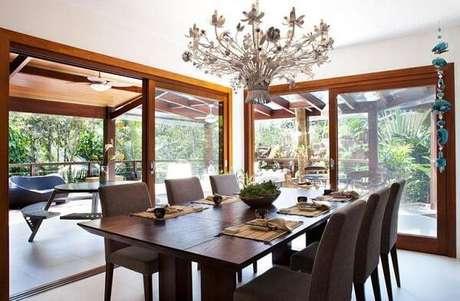 6. Lustres para sala de jantar no estilo rústico são lindos. Projeto de Infinity Spaces