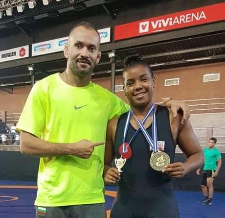 Thamires Machado faturou a medalha de ouro no Pan-Americano Júnior de Wrestling (Foto: Karen Terahata)