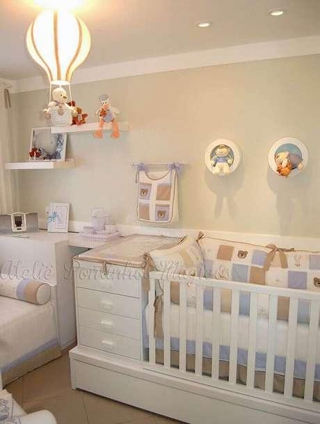 53. Os lustres para quarto de bebê em formato de balão são tendência – Foto: HGTV Decor