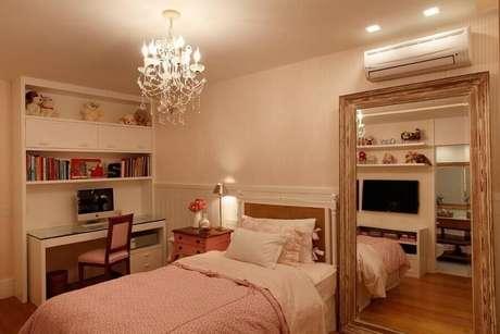 18. Modelo de lustres para quarto de solteiro decorado