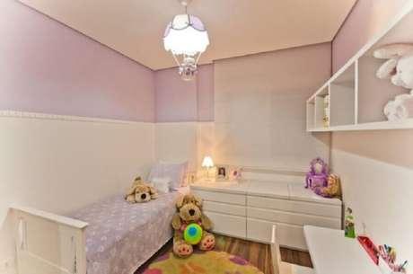 7. Dependendo dos modelos de lustres para quarto de bebê escolhidos a decoração pode ficar mais divertida e lúdica