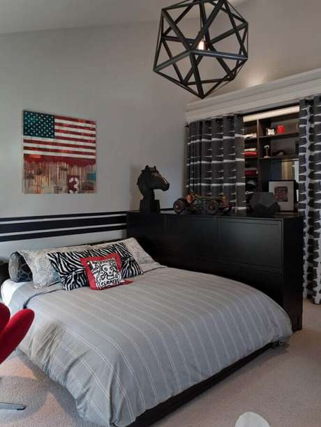 63. Designs arrojados de lustres para quarto combinam com decorações modernas – Foto: Doma.Life