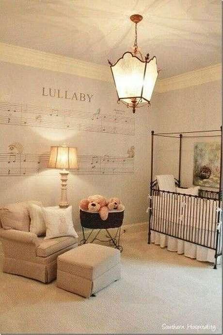 68. Lustres para quarto de bebê com decoração clássica – Foto: Futurist Architecture